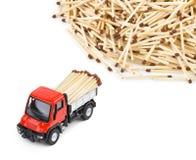 Caminhão e fósforos do carro do brinquedo Imagens de Stock