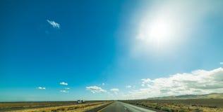 Caminhão em 5 de um estado a outro em Califórnia Imagens de Stock