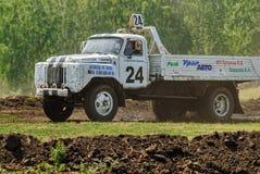 Caminhão na curvatura da rota dos esportes Fotografia de Stock