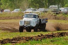 Caminhão na curvatura da rota dos esportes Foto de Stock