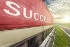 Caminhão na estrada no borrão de movimento com texto do sucesso Fotos de Stock Royalty Free