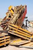 Caminhão na jarda de sucata fotografia de stock royalty free