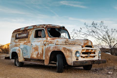 Caminhão oxidado velho na cidade de Nelson Ghost, EUA Fotografia de Stock