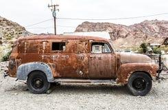 Caminhão oxidado velho na cidade fantasma de Nelson Nevada Foto de Stock
