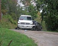 Caminhão que está sendo rebocado fora da entrada de automóveis Imagens de Stock