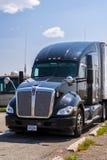 Caminhão semi estacionado Fotos de Stock Royalty Free