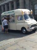 Caminhão velho do gelado Imagens de Stock