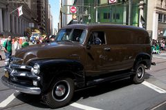 Caminhão velho do UPS na parada de Patrick de Saint imagem de stock