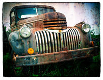 Caminhão velho oxidado