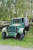 Caminhão verde oxidado abandonado velho Imagens de Stock Royalty Free