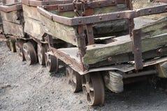 Caminhões de carvão imagens de stock