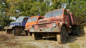Caminhões de corrosão históricos Praga V3S fotos de stock royalty free