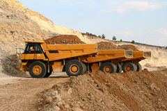 Caminhões de mineração Fotografia de Stock