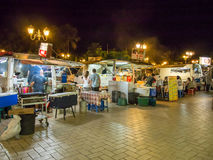 Caminhões do alimento do porto em Papeete, Tahiti, Polinésia francesa Foto de Stock
