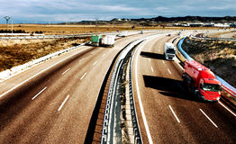 Caminhões e estrada Fotos de Stock Royalty Free