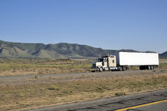 Caminhões em de um estado a outro Foto de Stock