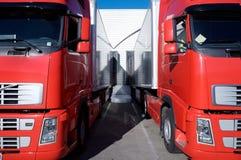 Caminhões vermelhos no armazém Imagens de Stock Royalty Free