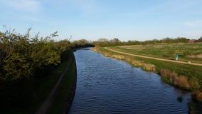 Caminhada ao longo do canal Imagem de Stock Royalty Free