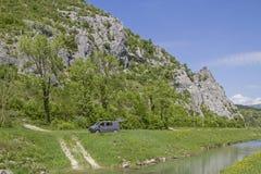 Caminhada ao longo do rio Mirna foto de stock royalty free