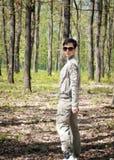 Caminhada através da floresta Fotos de Stock Royalty Free