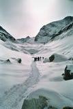Caminhada através dos alpes suíços Foto de Stock