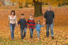 Caminhada da família Imagens de Stock Royalty Free