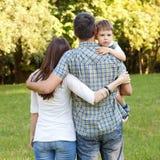 Caminhada da família Fotografia de Stock Royalty Free