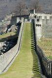 Caminhada da grama do castelo Fotografia de Stock
