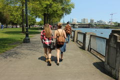Caminhada da manhã em um parque Foto de Stock