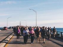 Caminhada da ponte imagem de stock royalty free
