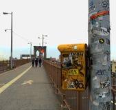 Caminhada da ponte de Brooklyn Fotografia de Stock Royalty Free