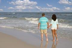 Caminhada da praia Fotos de Stock Royalty Free