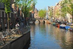 Caminhada do canal de Amsterdão Fotografia de Stock