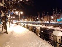 Caminhada do inverno na noite Foto de Stock Royalty Free
