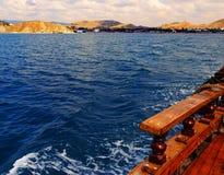 Caminhada do mar em um barco Fotos de Stock