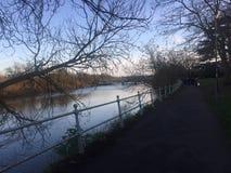 Caminhada do rio Imagens de Stock
