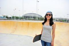 Caminhada do skater Fotos de Stock
