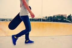 Caminhada do skater Imagem de Stock