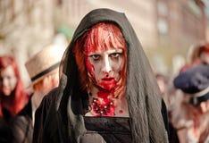 Caminhada do zombi Fotos de Stock Royalty Free