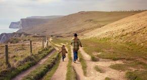 Caminhada litoral, Dorset imagem de stock