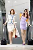Caminhada na compra Imagens de Stock Royalty Free