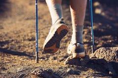 Caminhada nas montanhas. Fotos de Stock Royalty Free
