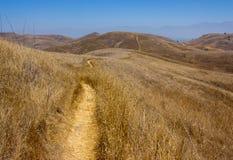 Caminhada no parque estadual de Chino Hills imagens de stock