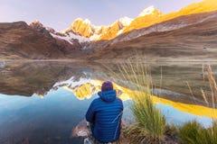 Caminhada no Peru imagem de stock