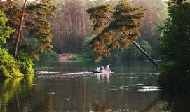 Caminhada por um barco Fotografia de Stock Royalty Free