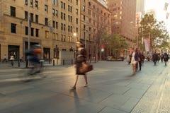 Caminhada a trabalhar Fotografia de Stock Royalty Free
