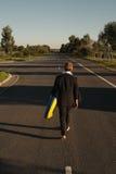 Caminhadas afastado com anel de borracha Imagens de Stock Royalty Free
