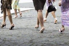 Caminhadas femininos Foto de Stock