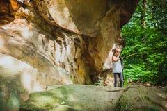 Caminhando 6 anos de menina idosa Fotografia de Stock