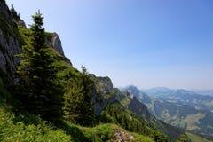 Caminhando Entlebuch, Suíça, montes dos cumes Fotos de Stock Royalty Free